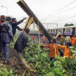 Mumbai through the Monsoon: Roads Flooded, Trains Stalled, Ten Dead