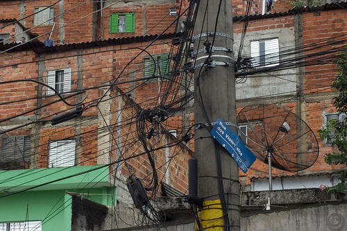 Favelas in Brazil rely on grids by Siemens to expand entreprenurial opportunities. Photo by Daniel Castanho.