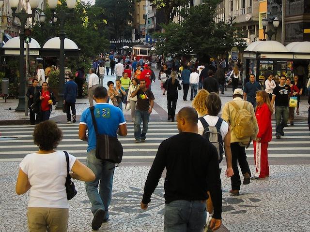 Pedestrians walk along Rua XV in Curitaba, Brazil. Photo by Dylan Passmore/Flickr.