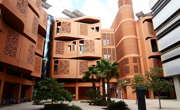 As one of the first cities inspired by arcology to begin construction, Masdar City could help serve as an example for sustainable, efficient, arcology-inspired cities around the world. Photo by Inhabitat Blog/Flickr.