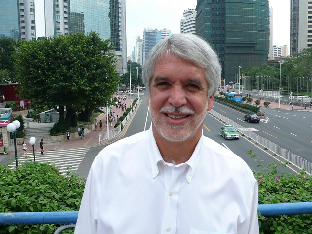 With a focus on sustainable urbanism and social justice, Enrique Peñalosa used a wide variety of people-oriented policies that helped transform Bogotá. Photo by Colin Hughes/Flickr.